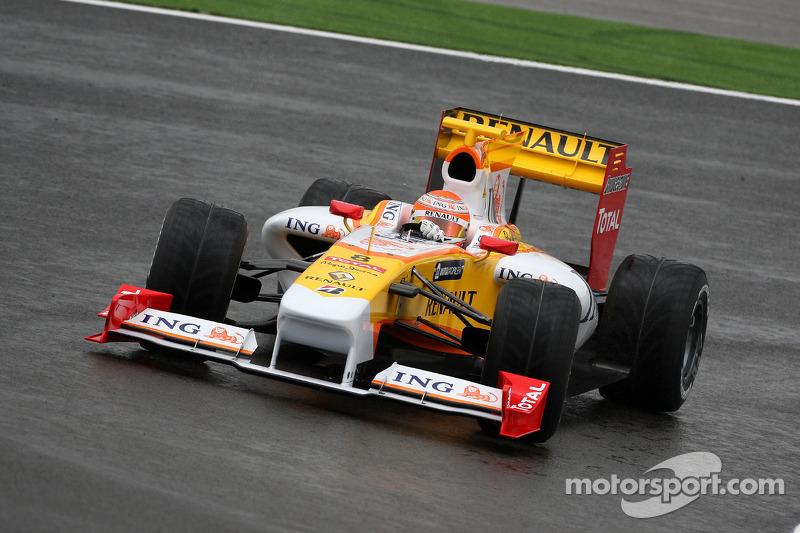 Представление новой машины Renault F1 в Портимане, 2009 год