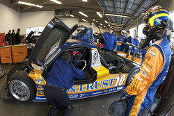 Drivers change practice for Pedro Lamy and Brian Frisselle