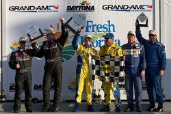 GS podium: class and overall winners Bill Auberlen and Matthew Bell, second place Hugh Plumb and Jack Roush, third place Dean Martin and Larry Rehagen