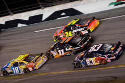 Kyle Busch leads Denny Hamlin, Jeff Gordon and Brian Vickers
