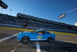 Pace car back on pit road