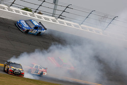 Aric Almirola, Earnhardt Ganassi Racing Chevrolet spins in turn 3