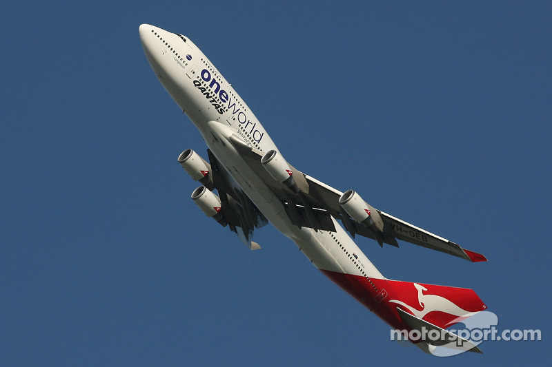 Avion Quantas 747, au dessus du circuit