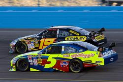 Elliott Sadler, Richard Petty Motorsports Dodge, Mark Martin, Hendrick Motorsports Chevrolet