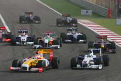 Start: Nelson A. Piquet, Renault F1 Team and Nick Heidfeld, BMW Sauber F1 Team