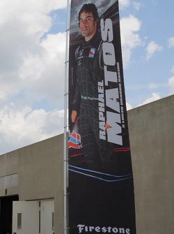 Raphael Matos, Luzco Dragon Racing a sa bannière en dehors du garage