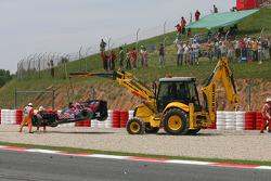 Car of Sebastien Buemi, Scuderia Toro Rosso after crashing, crash