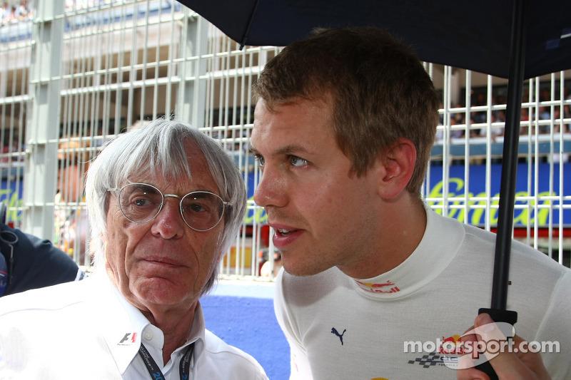 Bernie Ecclestone en Sebastian Vettel, Red Bull Racing
