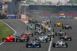 Start, Luiz Felipe Nasr, Eurointernational and Michael Christensen, Muecke Motorsport