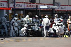 Nick Heidfeld, BMW Sauber F1 Team pit stop