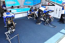 DFX Corse technicians at work