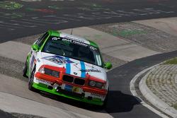#166 BMW E36: Stefan Manheller, Jose Manuel Balbiani, Jose Visir, Hajo-Franz Müller