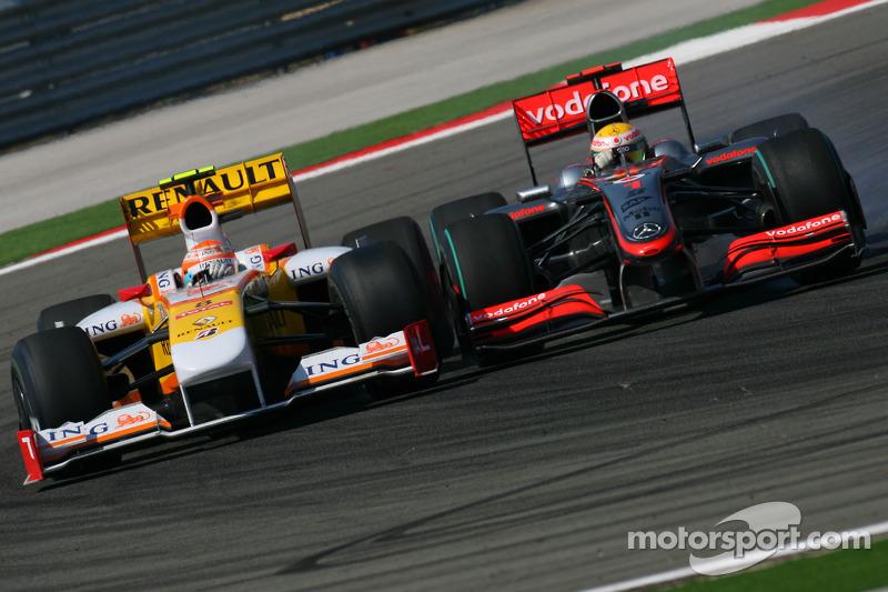 Нельсон Піке-мол. (Renault) vs ЛЬюіс Хемілтон (McLaren Mercedes)