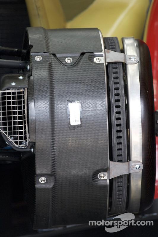 Audi Sport Audi R15 TDI brake detail
