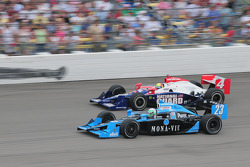 Tomas Scheckter, Dreyer & Reinbold Racing and Dan Wheldon, Panther Racing run together