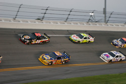 Michael Waltrip, Michael Waltrip Racing Toyota and Brad Keselowski, Phoenix Racing Chevrolet run side by side