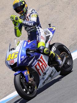 Valentino Rossi, Fiat Yamaha Team celebrates second place finish