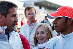 Bernd Schneider talks with Lewis Hamilton, McLaren Mercedes