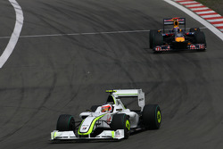 Rubens Barrichello, Brawn GP; Mark Webber, Red Bull Racing