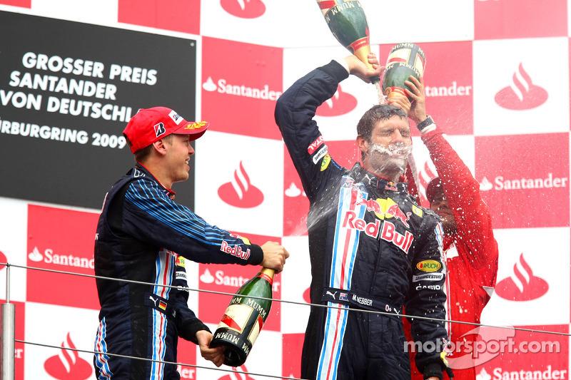 Podium: race winner Mark Webber, Red Bull Racing, second place Sebastian Vettel, Red Bull Racing cel