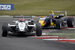Henry Arundel leads Daniel Ricciardo