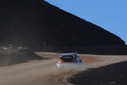 Marcus Gronholm nears the summit of Pikes Peak during Thursday practice