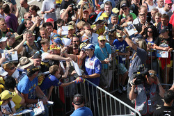 Jorge Lorenzo, Fiat Yamaha Team signs autographs to the fans