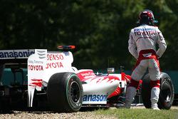 Jarno Trulli, Toyota F1 Team stopped on track