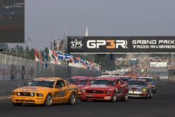 Start: #58 Rehagen Racing Ford Mustang GT: Steve Cameron, Rob Finlay