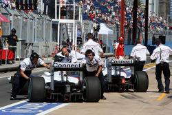 Nick Heidfeld, BMW Sauber F1 Team, Robert Kubica, BMW Sauber F1 Team, Michael Schumacher, Test Driver, Scuderia Ferrari