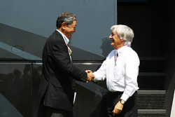 Bernie Ecclestone, President and CEO of Formula One Management and Mr Hiroshi Oshima, President of the Mobilityland Corporation which operates the Suzuka circuit have concluded an agreement for Suzuka to host the Japanese GP for the next 3 years