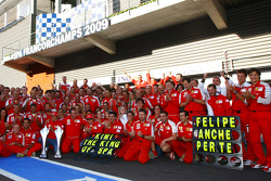 Scuderia Ferrari, célèbre la victoire de Kimi Raikkonen, Scuderia Ferrari, Luca Badoer, Scuderia Ferrari, Stefano Domenicali, Scuderia Ferrari,
