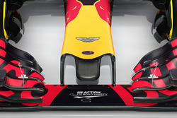 El Red Bull Racing RB12 con el logo de Aston Martin