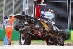 La McLaren MP4-31 di Fernando Alonso, McLaren, dopo l'incidente