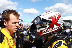 Kevin Magnussen, Renault Sport F1 Team on the grid