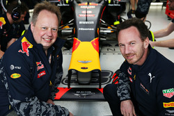 Andy Palmer, Director Ejecutivo de Aston Martin y Red Bull Racing Director del equipo Christian Horner