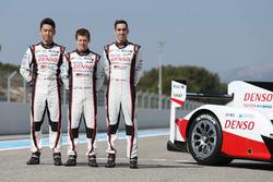 #5 Toyota Racing Toyota TS050 Hybrid:Sébastien Buemi,  Anthony Davidson, Kazuki Nakajima