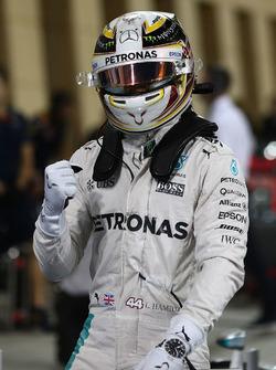 Il poleman Lewis Hamilton, Mercedes AMG F1 Team