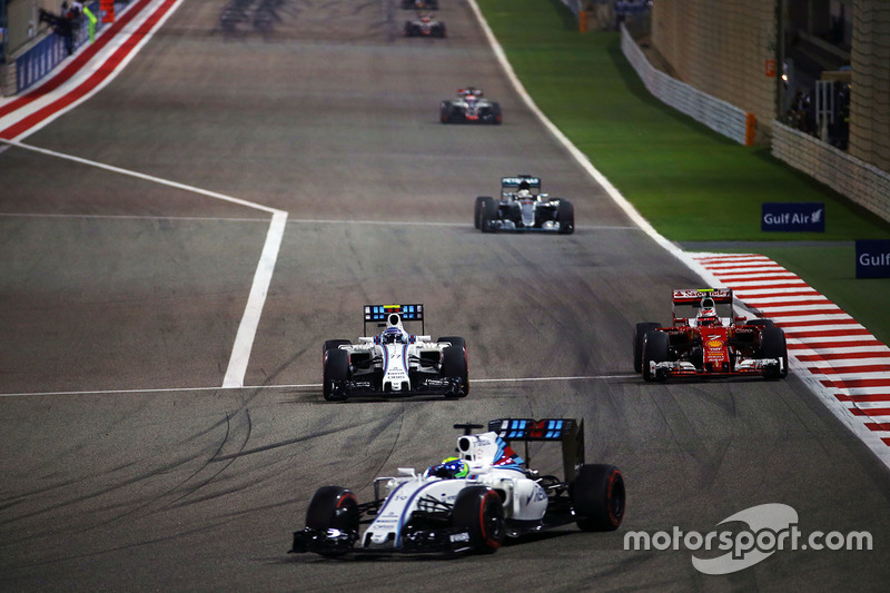 Felipe Massa, Williams FW38, Valtteri Bottas, Williams FW38 and Kimi Raikkonen, Ferrari SF16-H