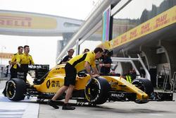 Машина Renault Sport F1 Team RS16 Кевин Магнуссен
