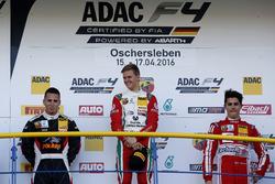 Podio: segunbdo lugare Joseph Mawson, Van Amersfoort Racing; ganador Mick Schumacher, Prema Powerteam; tercer lugar Thomas Preining, Lechner Racing