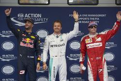 Polesitter Nico Rosberg, Mercedes AMG F1 Team; 2. Daniel Ricciardo, Red Bull Racing; 3. Kimi Räikkönen, Ferrari