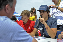 autograph session, Pedro Piquet, Van Amersfoort Racing Dallara F312 – Mercedes-Benz