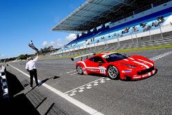 Il vincitore Shaun Balfe, Philip Keen, Ferrari 458 Italia GT3