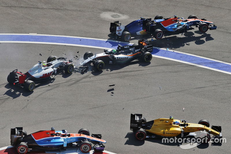 Marcus Ericsson, Sauber C35, Rio Haryanto, Manor Racing MRT05, Esteban Gutiérrez, Haas F1 Team VF-16 y Nico Hulkenberg, Sahara Force India F1 VJM09