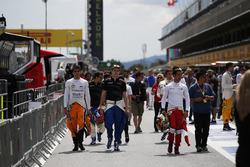 Daniel de Jong, MP Motorsport, con piilotos de GP3 Steijn Schothorst, Campos racing y Nabil Jeffri, Arden internacional