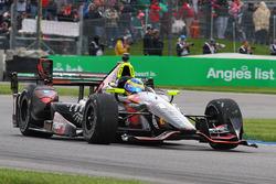 Sテゥbastien Bourdais, KV Racing Technology Chevrolet bersama damaged front wing