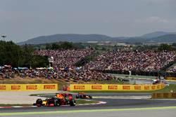 Daniel Ricciardo, Red Bull Racing leads Max Verstappen, Red Bull Racing