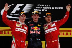 Макс Ферстаппен, Red Bull Racing, Кімі Райкконен, Scuderia Ferrari та Себастьян Феттель, Scuderia Ferrari celebrate