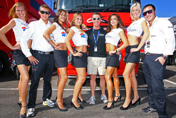 Grid girls with Marco Holzer, Bert Longin and Darryl O'Young